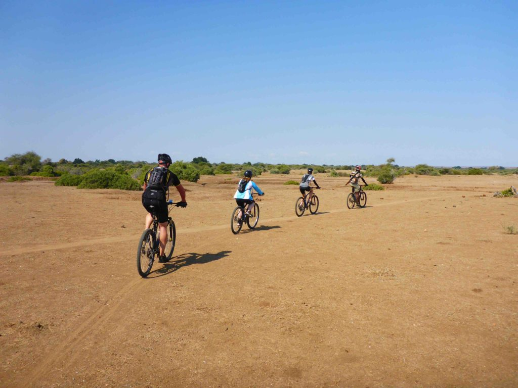 www.iamcalgary.ca IAmCalgary I Am Calgary Botswana Mashatu Cycle Group Terrain