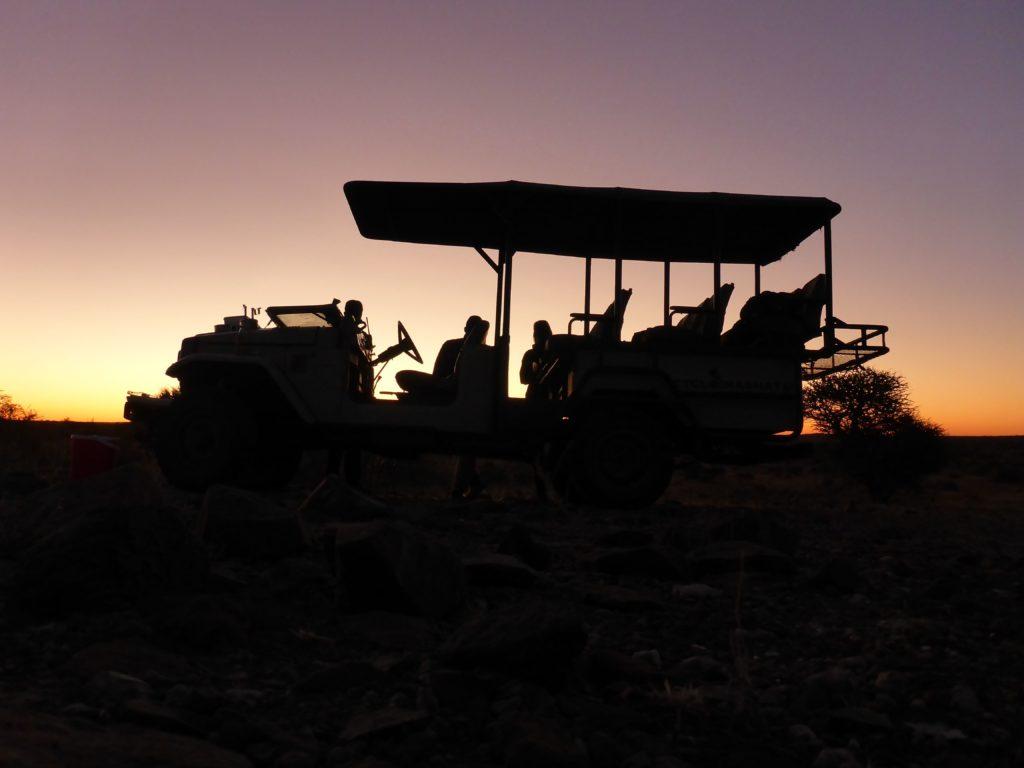 www.iamcalgary.ca IAmCalgary I Am Calgary Botswana Mashatu Cycle 4x4 silhoutte