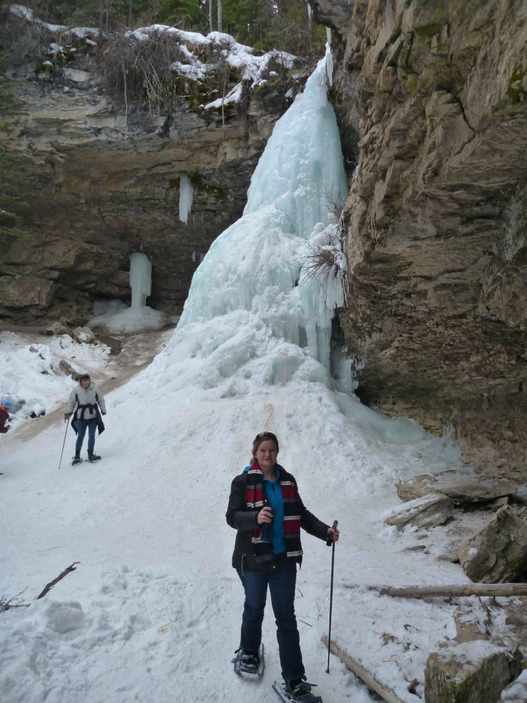 www.iamcalgary.ca I Am Calgary Snowshoeing Troll Falls